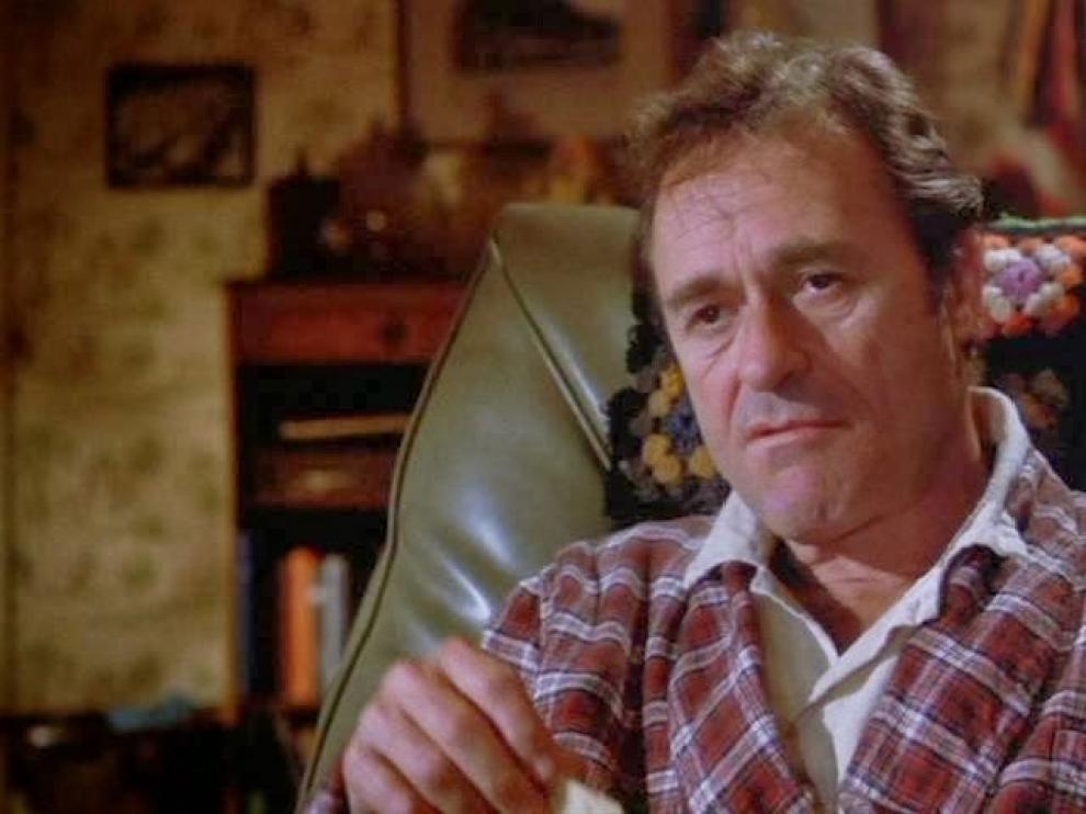 Dick Miller interpretando a Murray Futterman en el clásico de terror 'Gremlins'