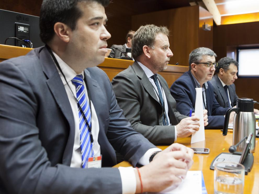 Palacín, Machín, Querol y Tesier, ayer en la comisión de estudio de las Cortes