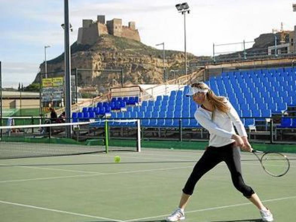 El Torneo Internacional de Tenis Conchita Martínez se celebra anualmente en Monzón.