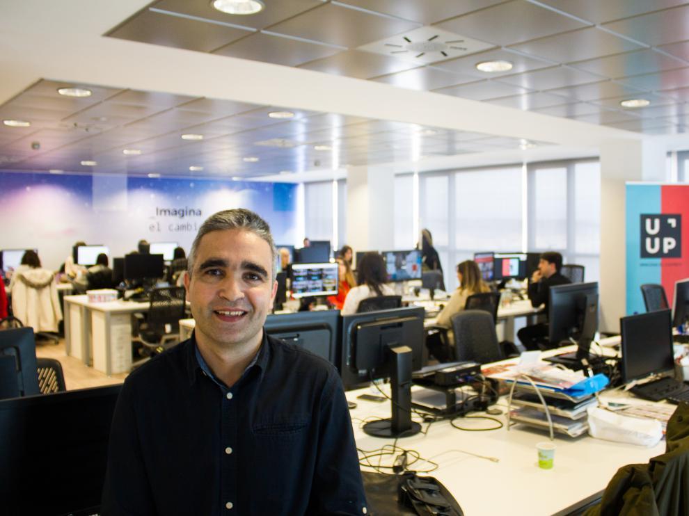 Marco Sanz, responsable de negocio de Uup, junto a su equipo.