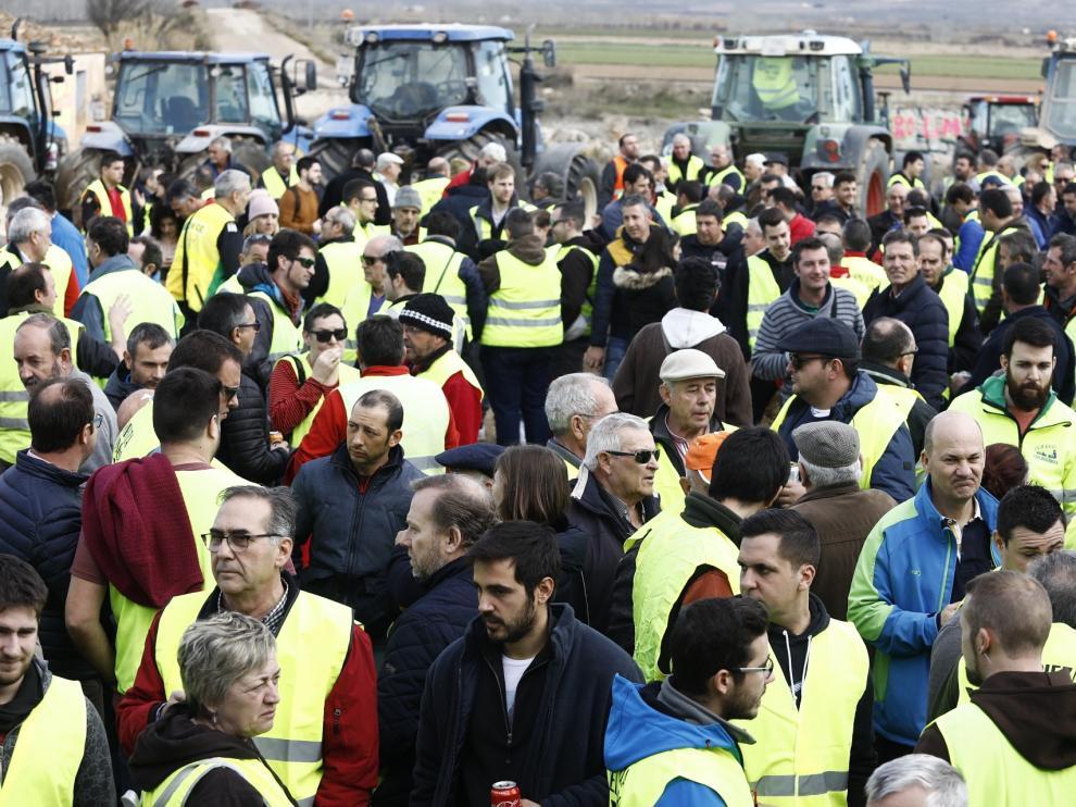 Manifestación en Quinto por la limpieza del Ebro.