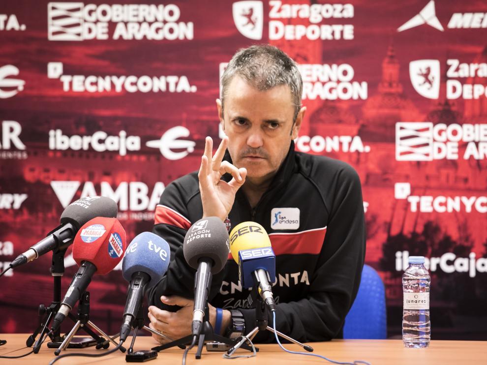 El técnico del Tecnyconta Zaragoza, Porfirio Fisac.