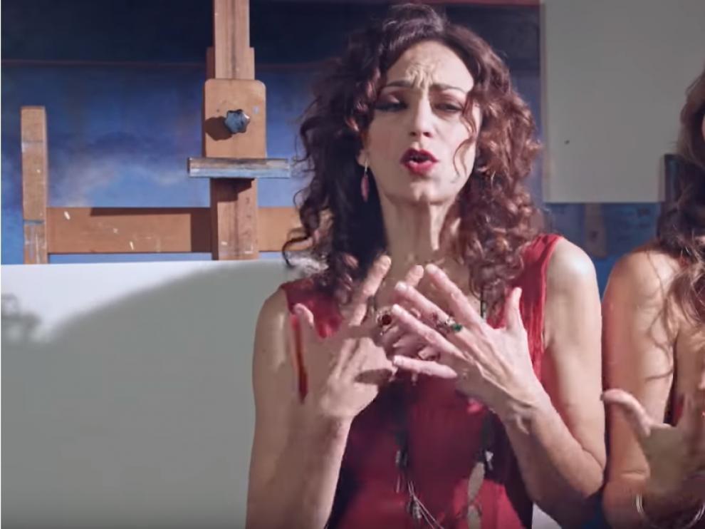 Imagen del videoclip de 'Un mondo da cambiare'