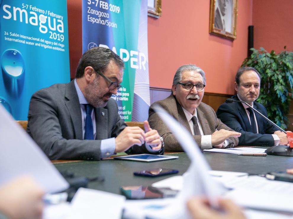 El presidente de Feria Zaragoza, Manuel Teruel, el director general, Rogelio Cuairán, y el director comercial, Alberto López.
