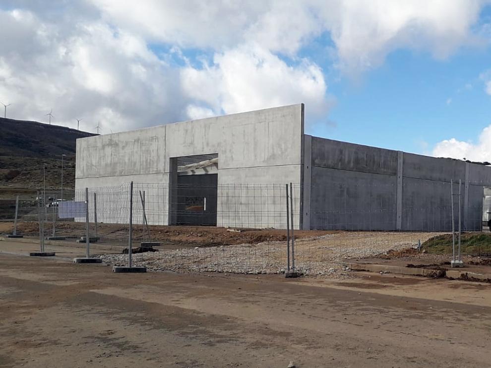 Las obras de construcción de la nave que albergará el vivero ya están en marcha.