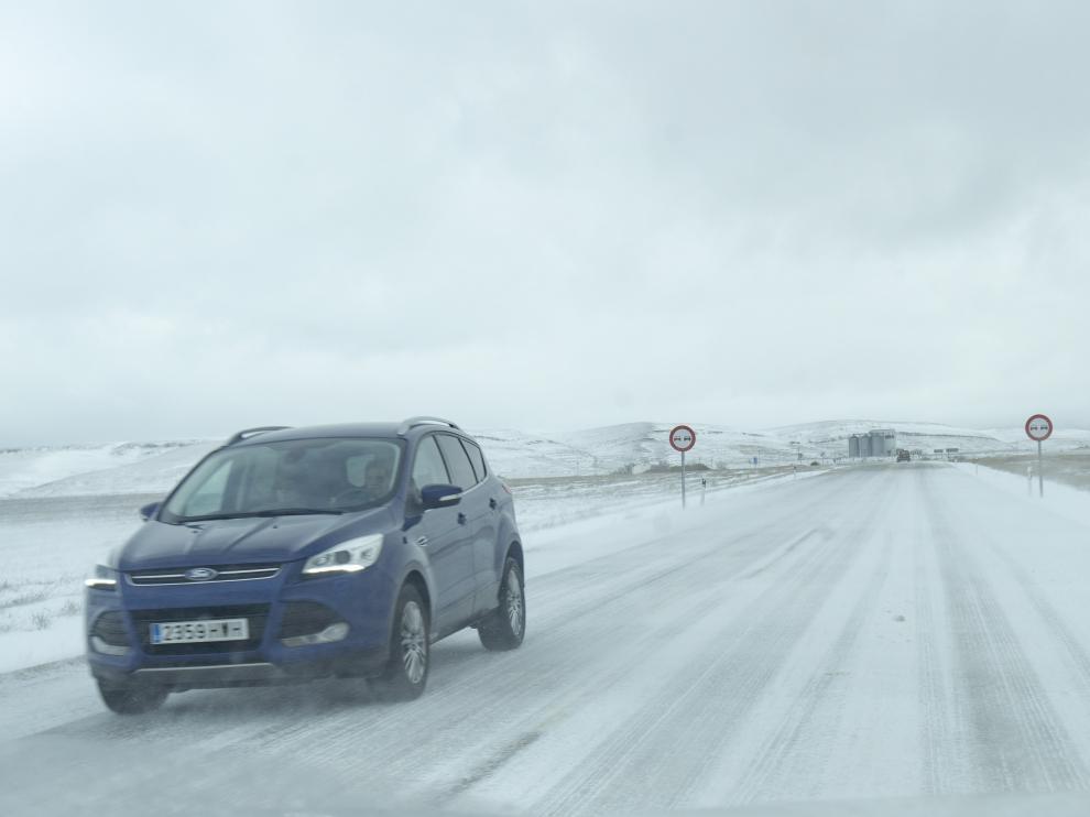 Casi 350 kilómetros de carreteras de Teruel están afectados por la nieve