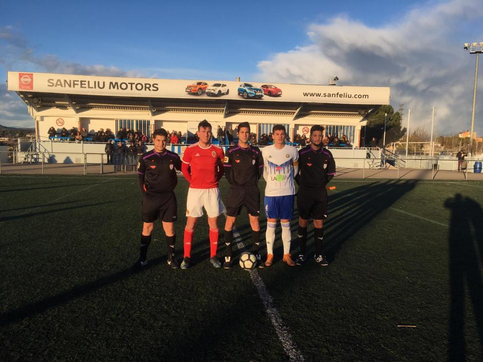 Foto de los capitanes del Manresa y el Real Zaragoza juvenil.
