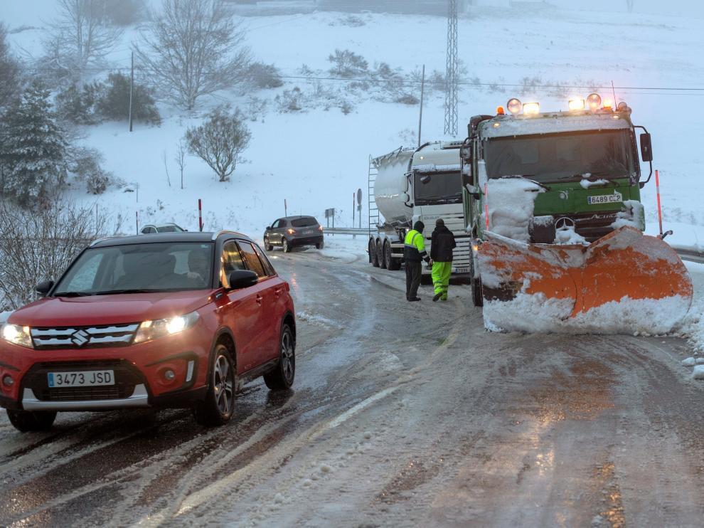 Más de 1.600 kilómetros de vías del norte peninsular afectados por la nieve