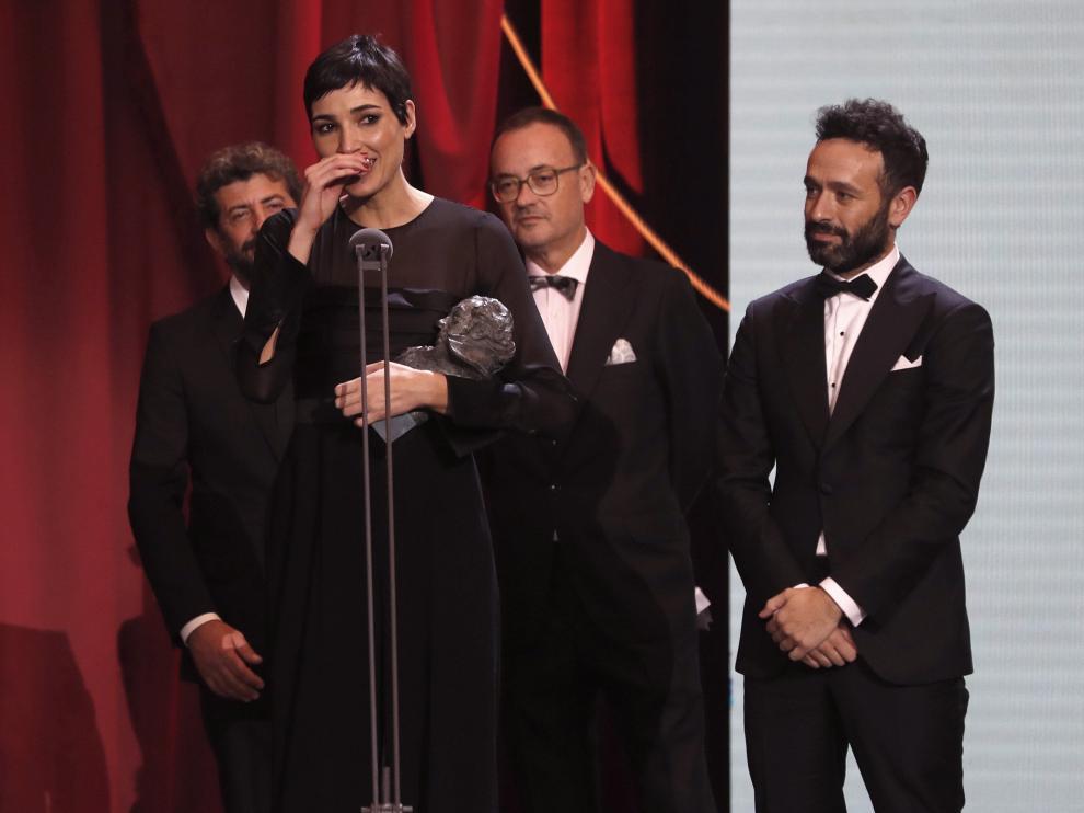 Isabel Peña, recogiendo el premio.