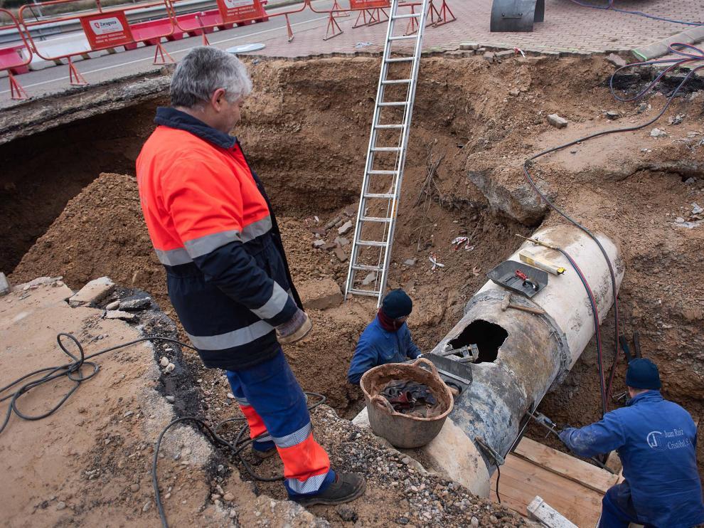 Reparación de la tubería de suministro de agua de Utebo y Casetas