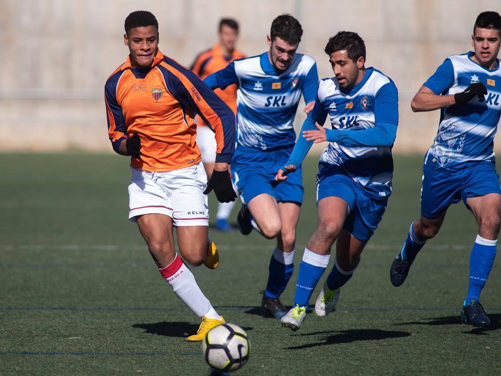 Fútbol. LN Juvenil- Escalerillas vs. Huesca.