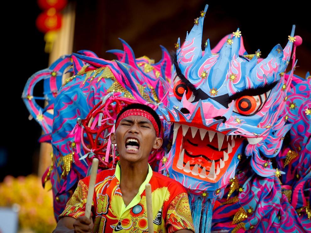Los chinos dan la bienvenida al Año del Cerdo en diferentes países del mundo