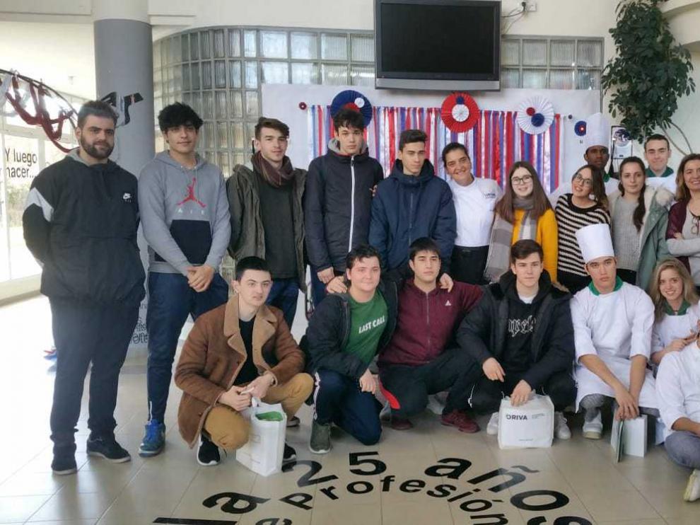 Los alumnos del CPIFP San Lorenzo han conocido de primera mano los usos de este aceite.