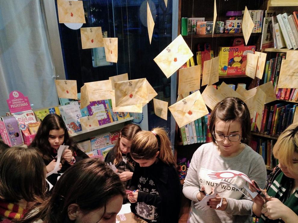 Fans aragoneses, en la noche de Harry Potter