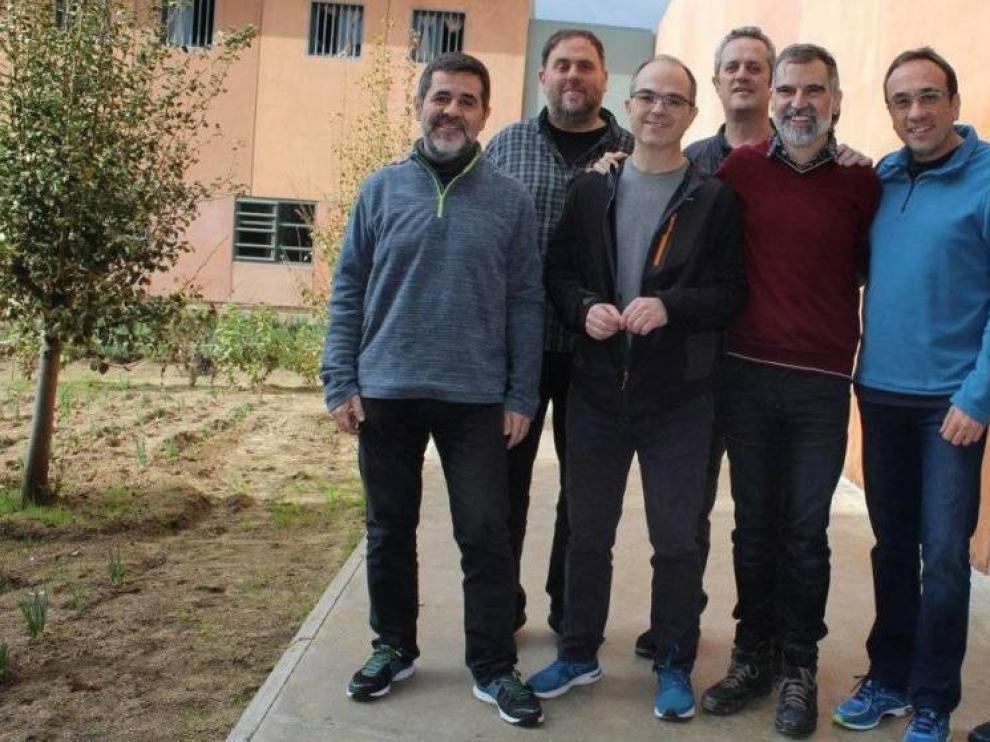 Foto de archivo de algunos de los presos del procés