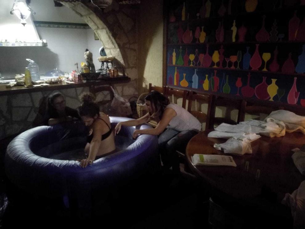 Un parto en casa atendido el pasado mes de octubre por dos matronas de Ayalam en Garrapinillos (Zaragoza).