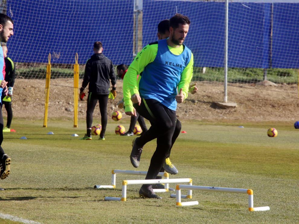 Jorge Miramón, entrenando en el IFPE Montearagón.