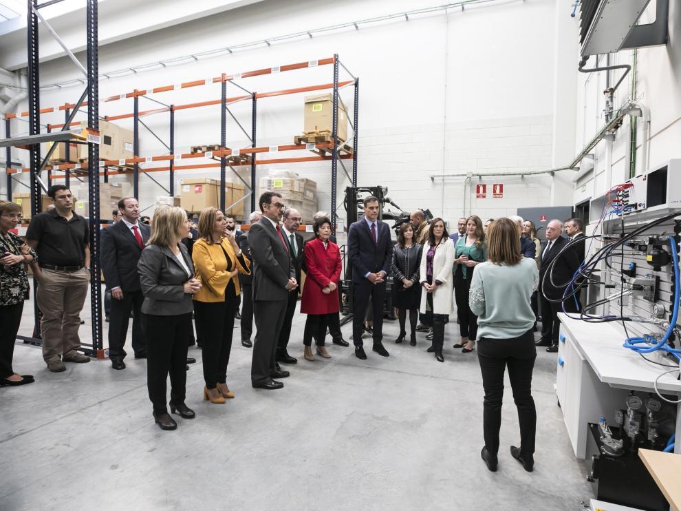 El CIFPA, que será la sede del centro, en una visita del presidente del Gobierno y de la ministra de Educación.