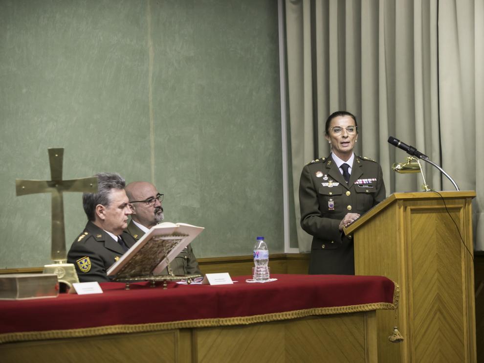 La coronel Ana Betegón, ayer en el hospital Militar, donde tomó posesión de la dirección.