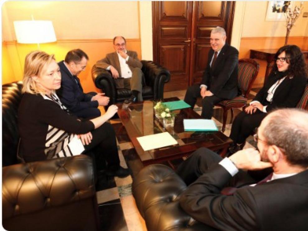La reunión de Lambán y Muñoz Codina tuvo lugar en la sede de la DGA
