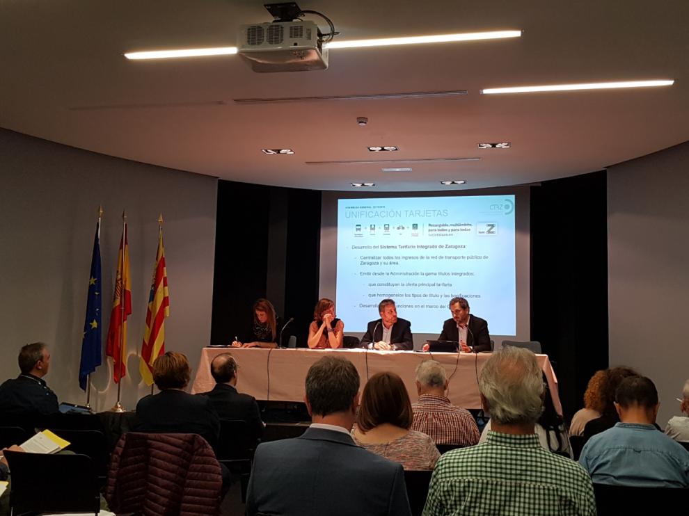Asamblea del Consorcio Metropolitano de Transporte de Zaragoza (CTAZ),  celebrada en el Museo Pablo Serrano.