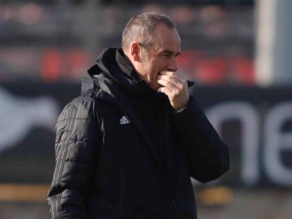 Víctor Fernández, en el entrenamiento de este viernes.