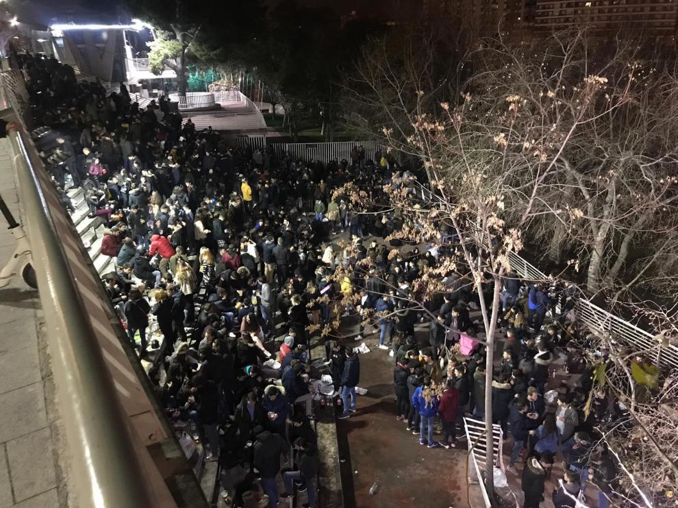 Una imagen de las escaleras del Náutico la pasada noche del viernes.