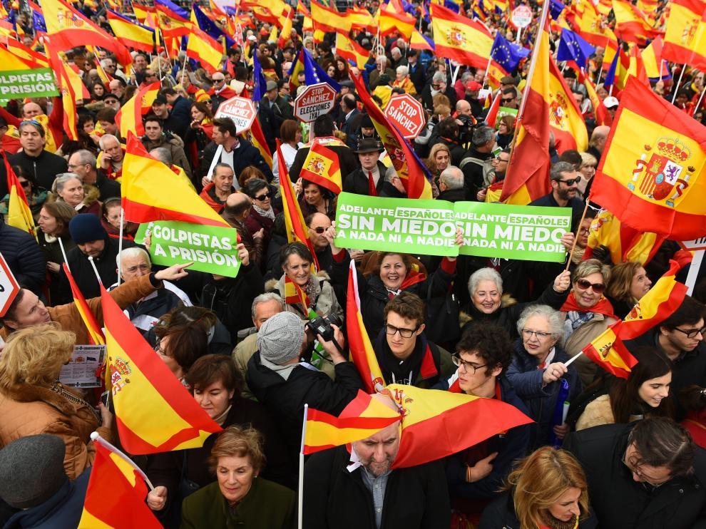 Manifestación de PP, Cs y Vox en Madrid para pedir elecciones inmediatas