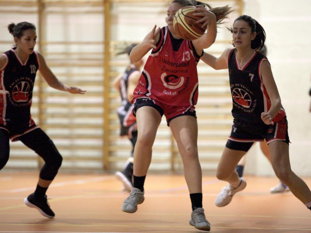Baloncesto. Primera Femenina- Kenbo Old School vs. Universidad Zaragoza.