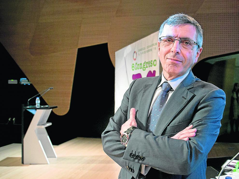 Francisco Román, presidente de la Fundación Seres y expresidente de Vodafone España, el jueves pasado en Zaragoza.