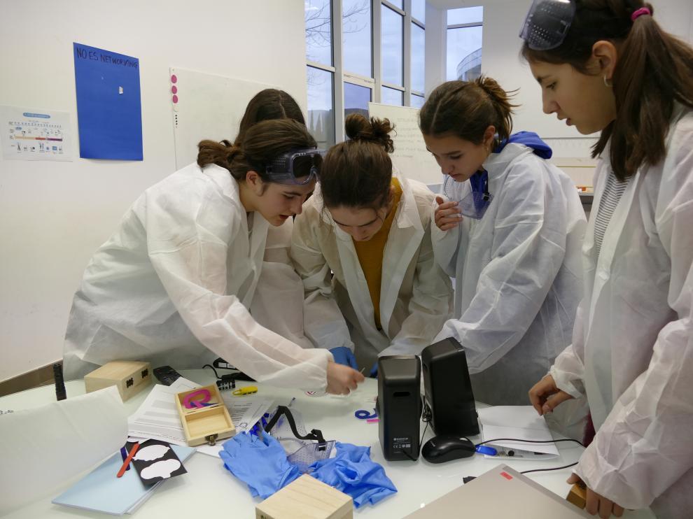 Actividad '¡Buscamos a las científicas del futuro!', en Itainnova