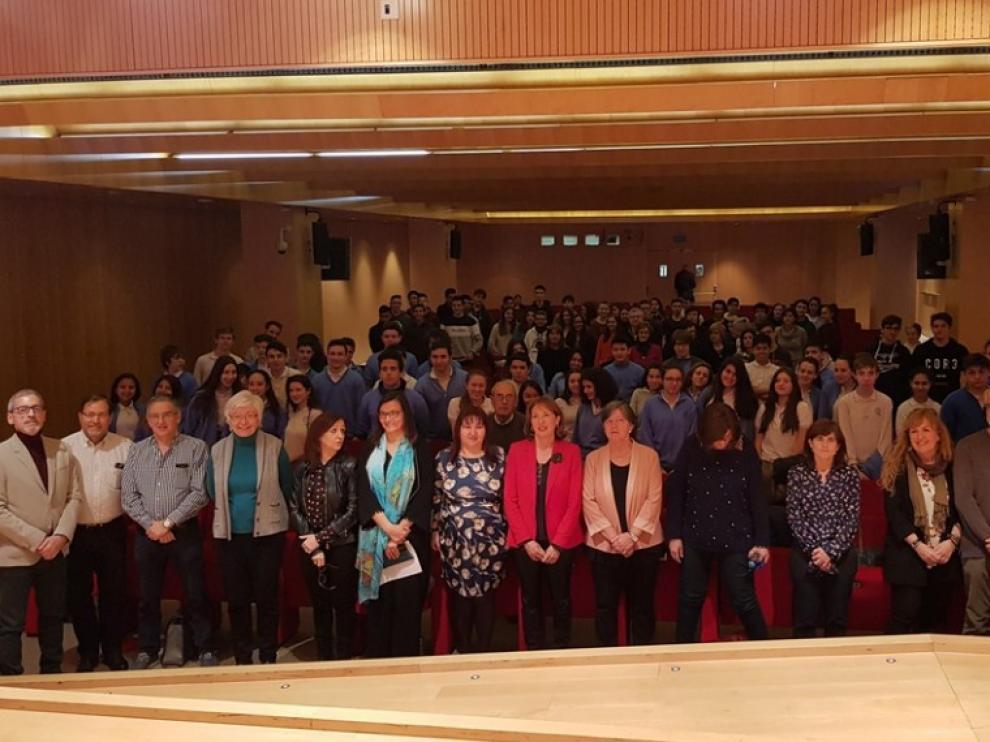 Investigadores y estudiantes se encontraron en el Patio de la Infanta