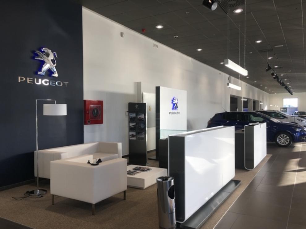 Instalaciones de Peugeot PSA Retail en la capital aragonesa.