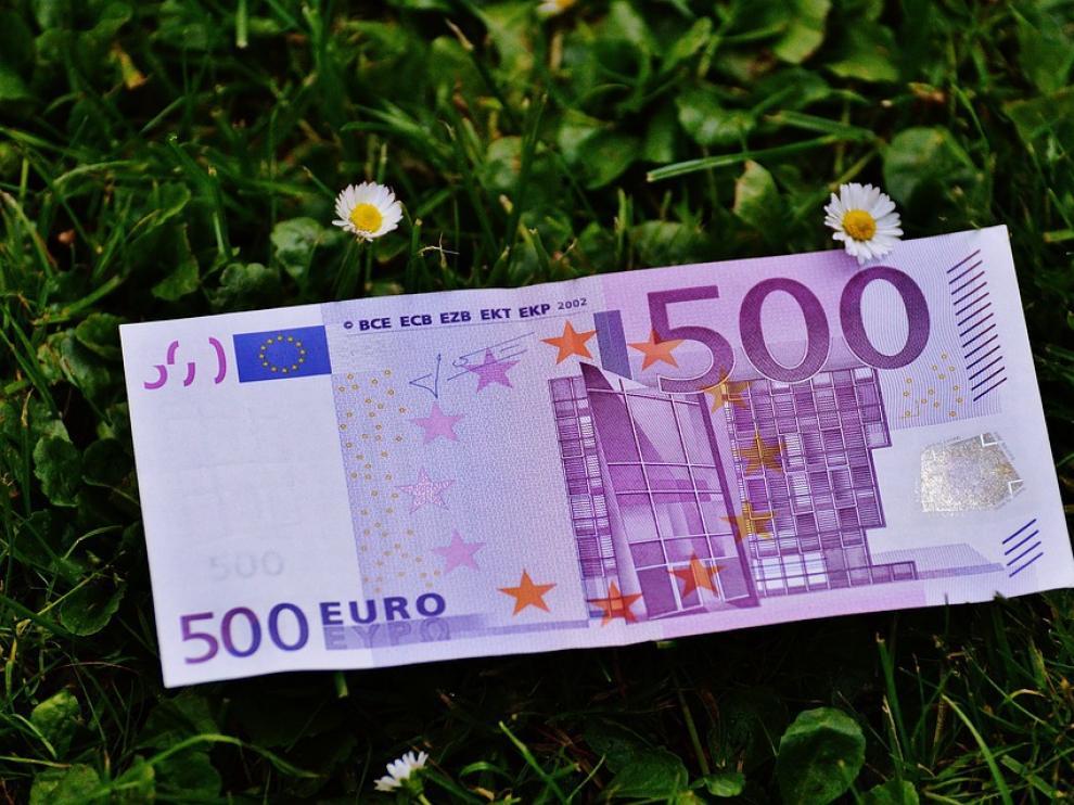 Policías de la Comisaría de Burgos hicieron entrega a un burgalés de 42 años del billete de 500 euros.