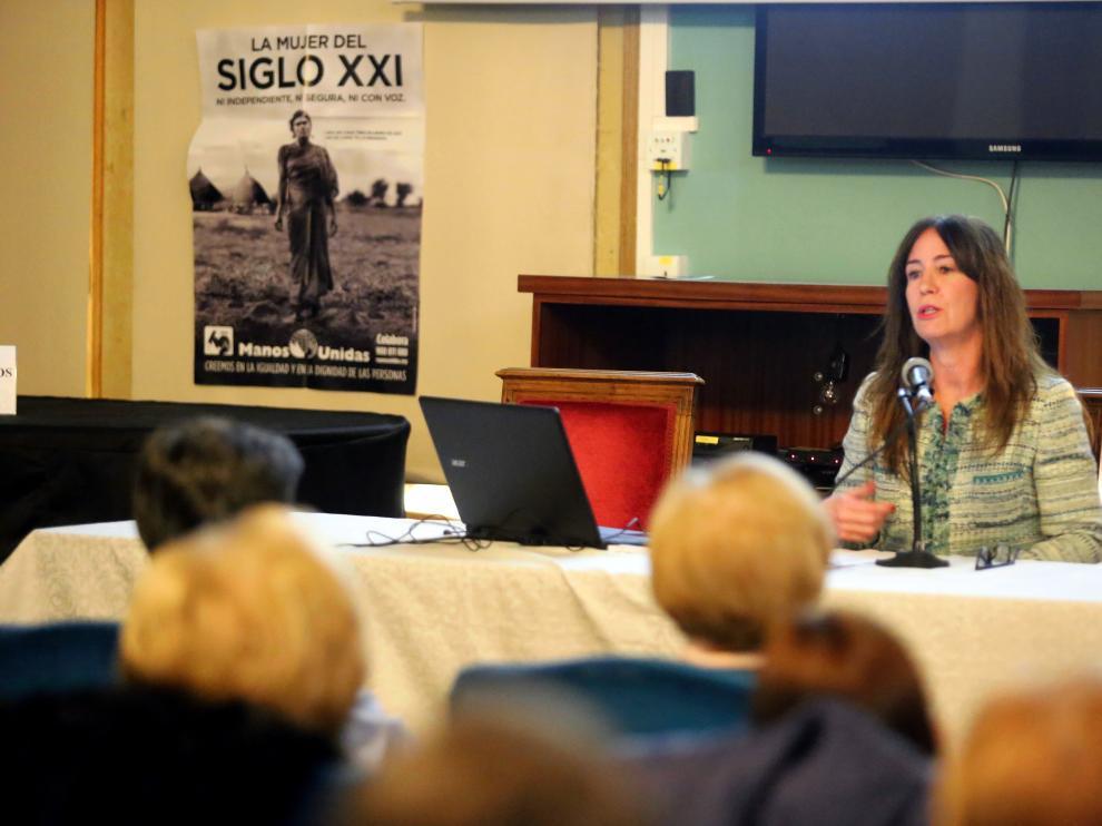 La periodista Nuria Garcés ha relatado su experiencia durante nueve días en Colombia.