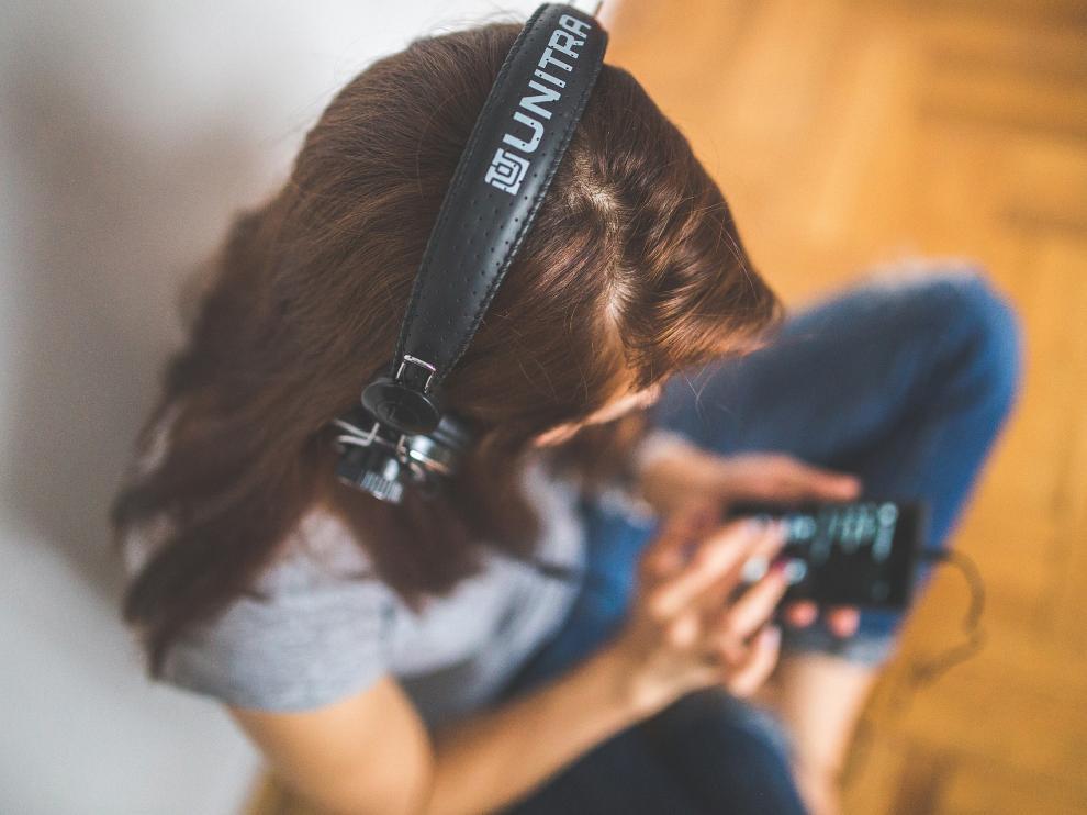 La ONU alerta de que los hábitos musicales de los milenials ponen en riesgo su salud auditiva