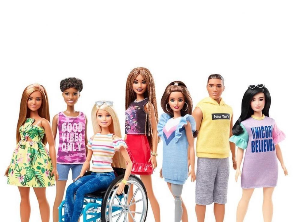 La Barbies en silla de ruedas y con prótesis son las novedades de la marca para este año.