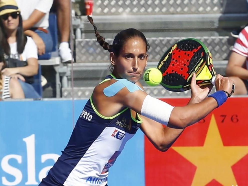 Mapi Sánchez Alayeto, con un vendaje en su hombro derecho, durante la pasada temporada.