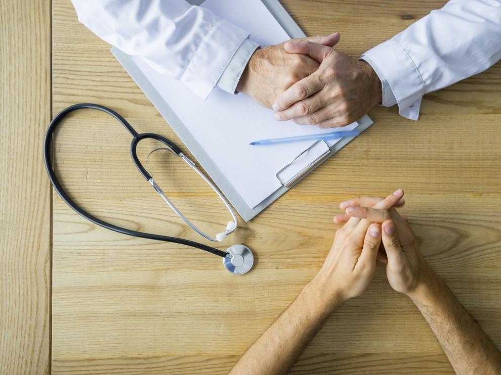 doctor especialista en hemorroides