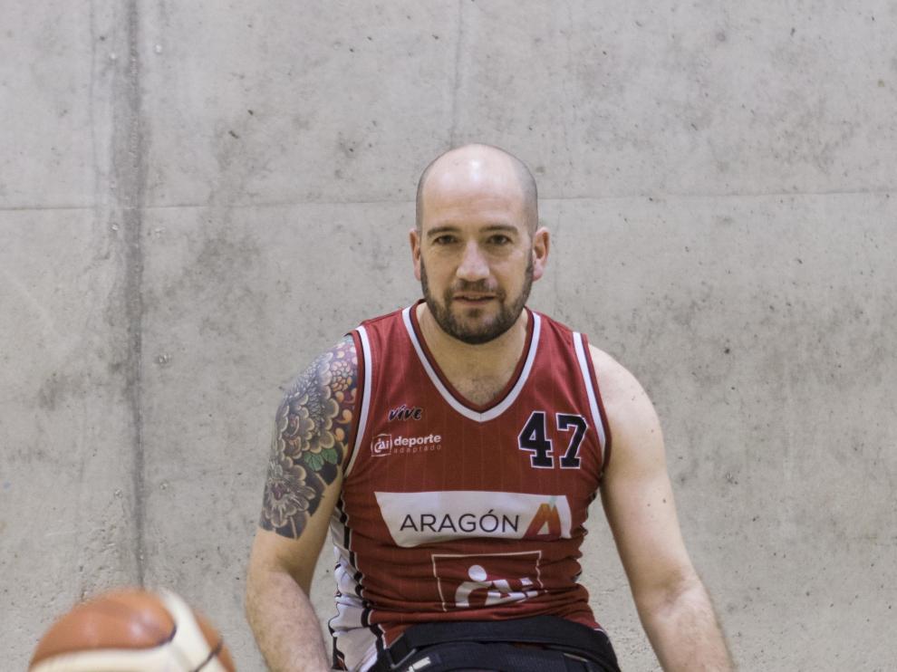 Carlos Muñoz, dispuesto a jugar en la cancha.