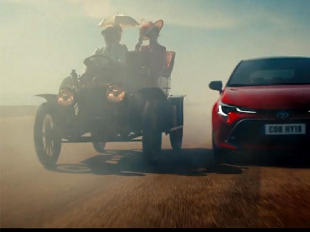 Imagen extraída del anuncio de Toyota rodado en el aeropuerto de Teruel.