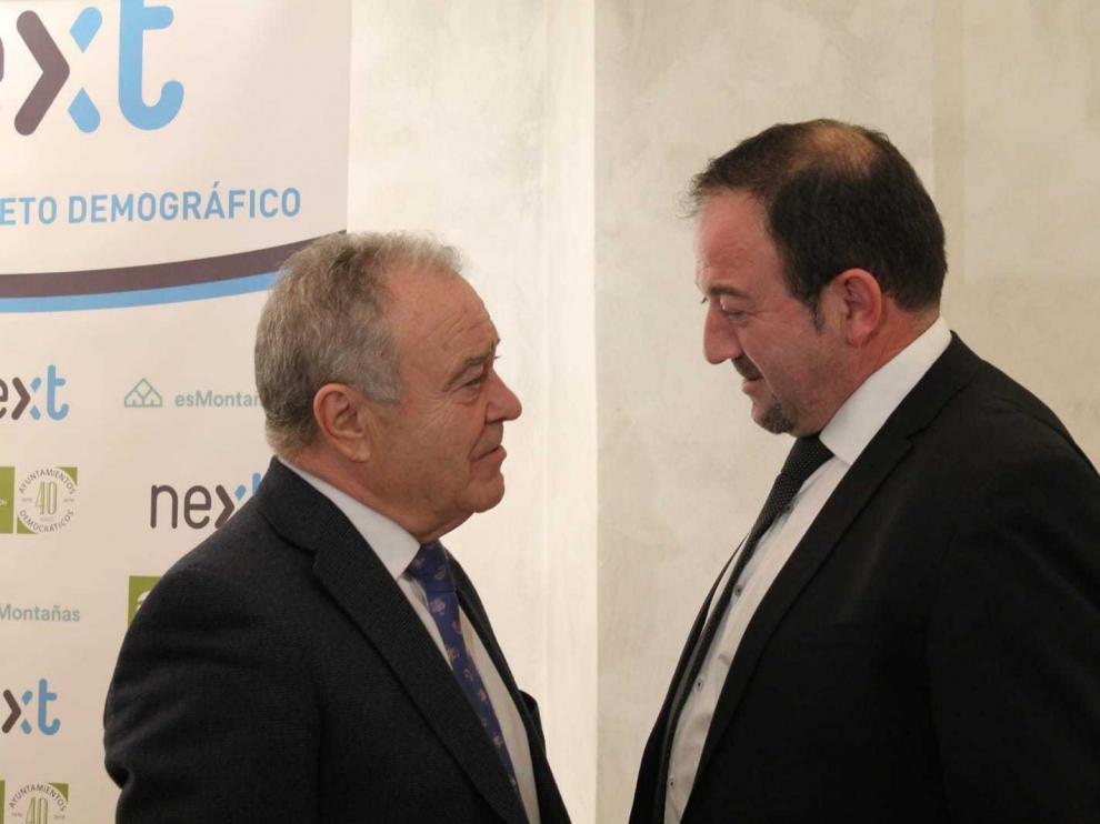 Los presidentes de las Diputaciones de Huesca (izquierda) y Teruel, el pasado diciembre, cuando se presentó en Madrid la Cátedra por el Reto Demográfico.