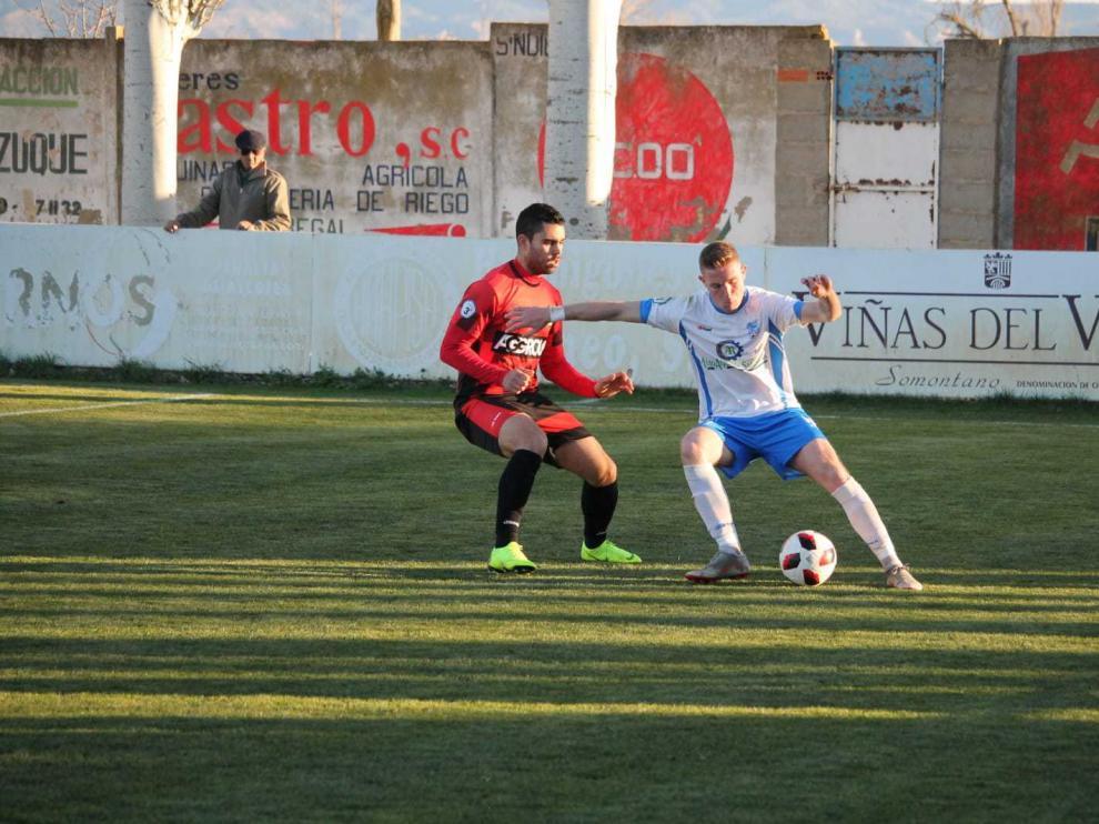 Fútbol. Tercera División Sariñena vs Tamarite.