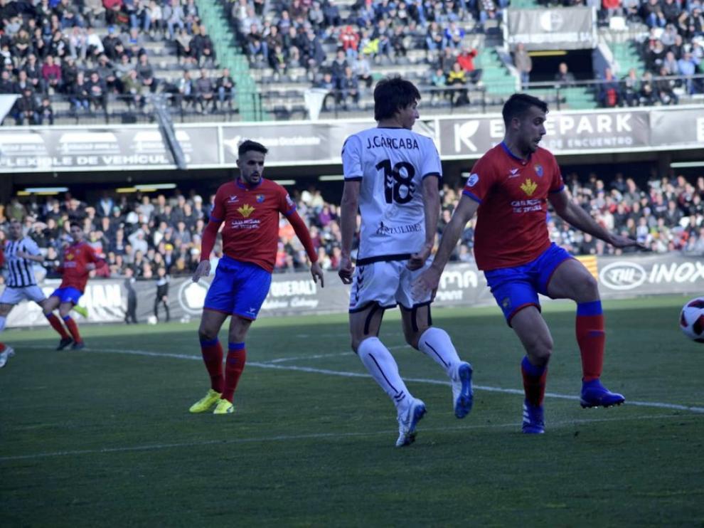 Un lance del encuentro disputado entre el CD Castellón ante el CD Teruel.