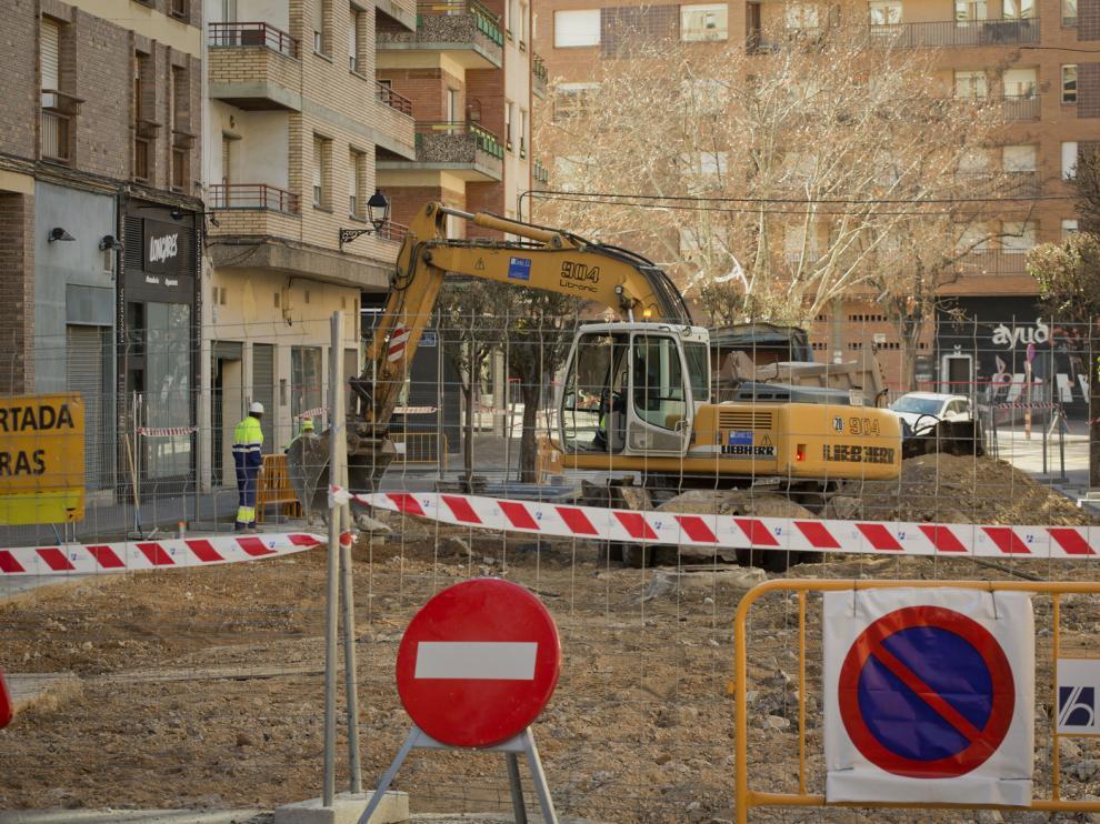 Las obras ya avanzan en la avenida San Juan el Real de Calatayud.