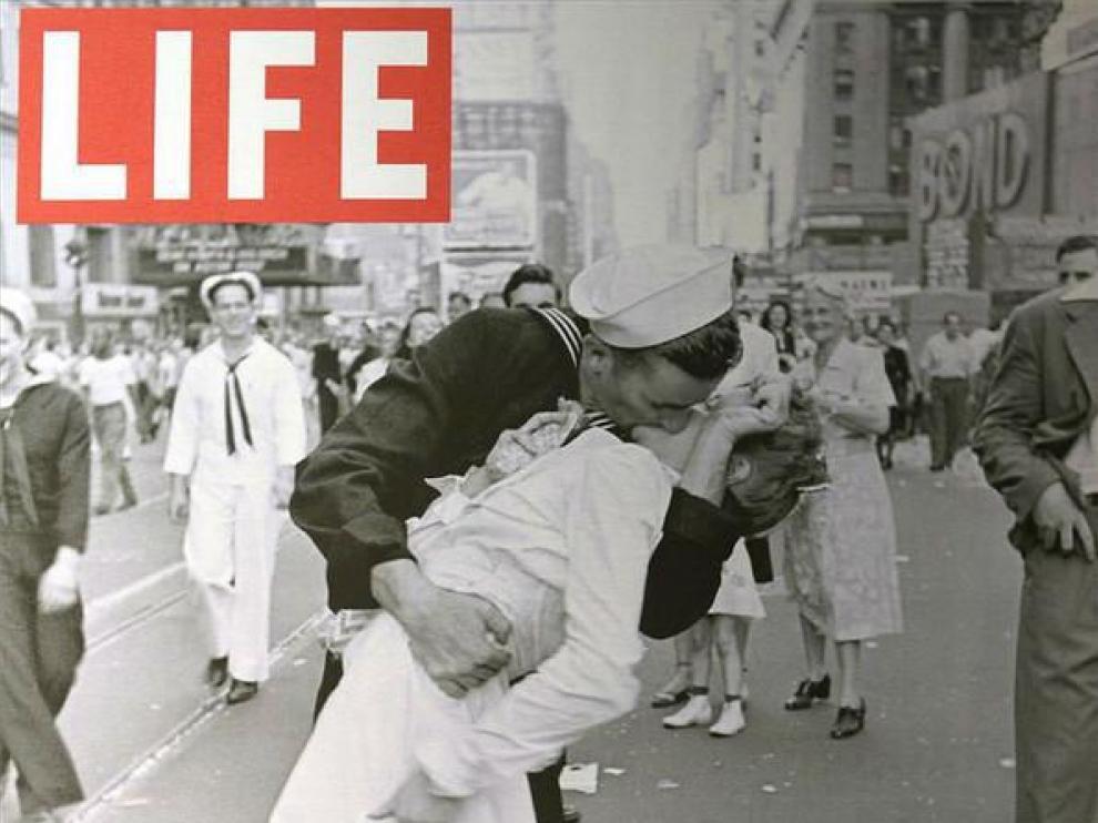 La portada de 'Life' que inmortalizó a Mendonsa.