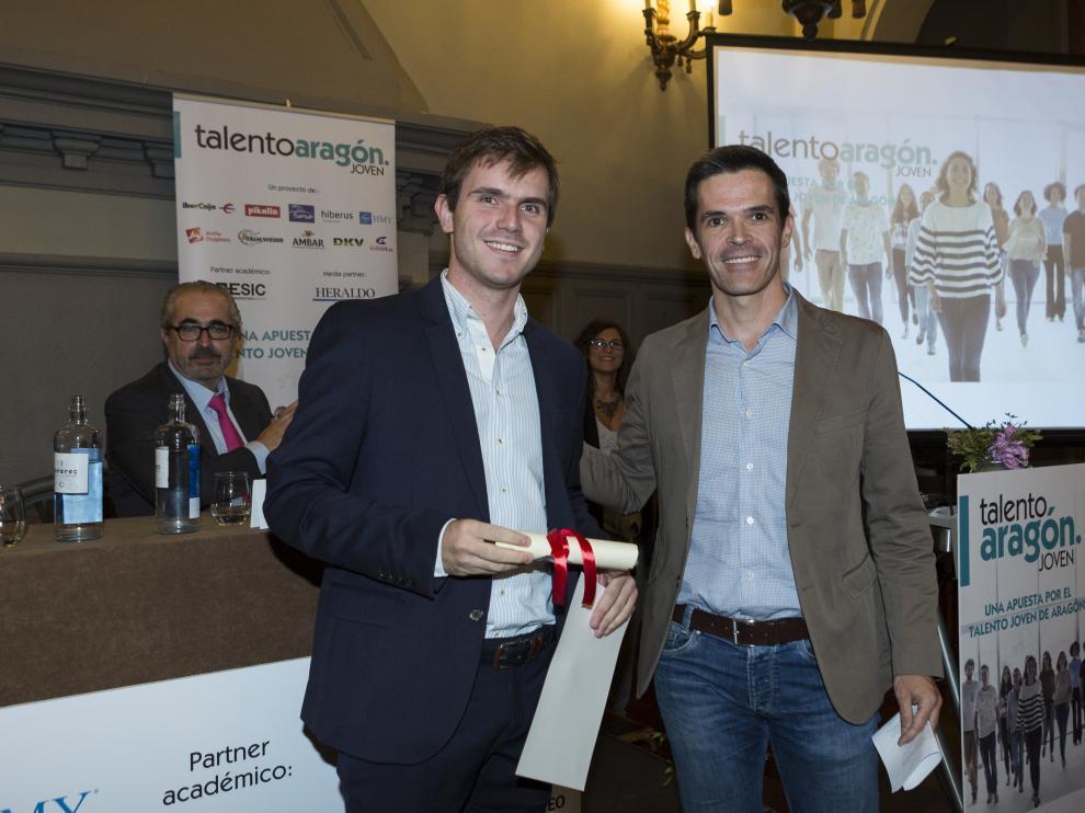 Carlos Paúl, graduado en Ingeniería de Tecnologías Industriales, fue becado por HMY el año pasado.