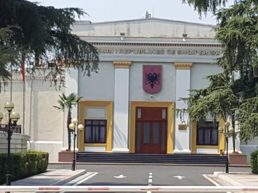 Parlamento en Tirana, Albania.