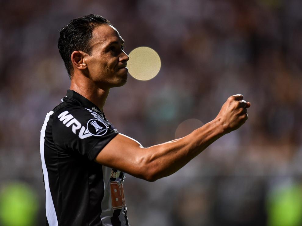 Ricardo Oliveira celebra uno de sus últimos goles con el Atlético Mineiro.