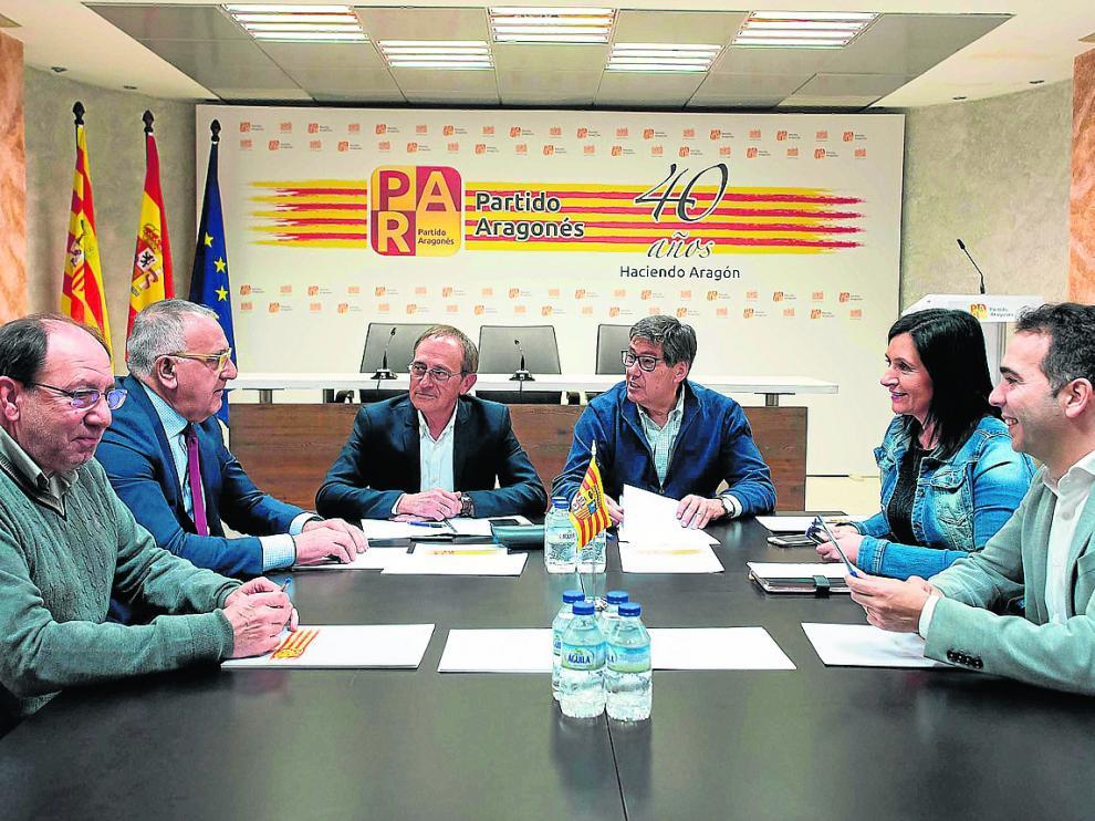 La comisión permanente del PAR, este lunes durante la reunión convocada por el adelanto electoral